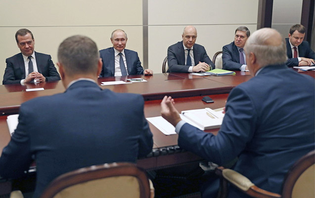 Putinlə Lukaşenkonun görüşü zamanı işıq söndü