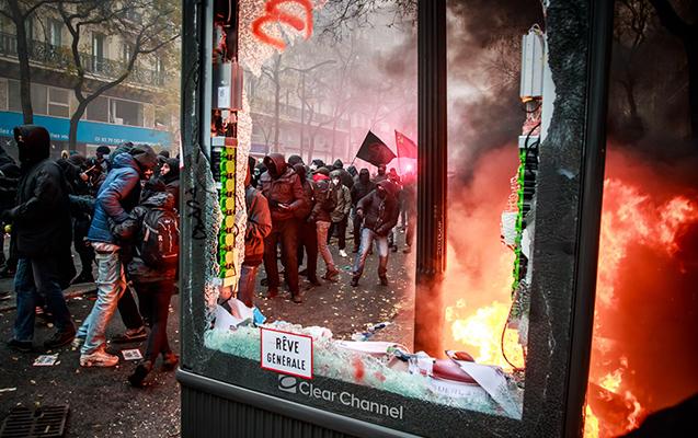 Fransada aksiyalar səngimək bilmir - Fotolar