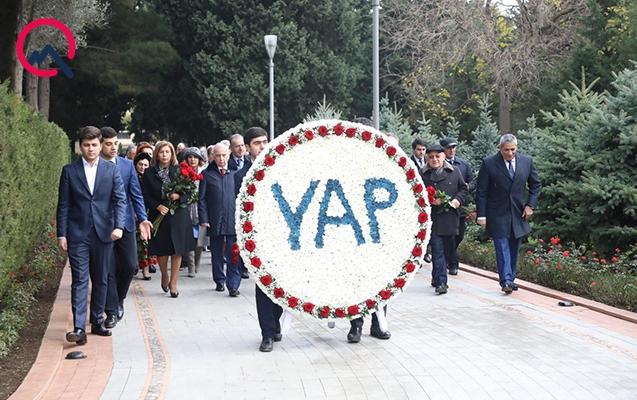 YAP Heydər Əliyevin məzarını ziyarət edib