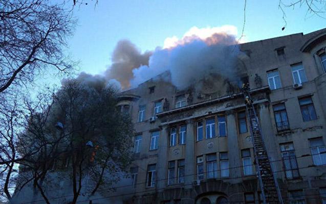 Odessada kollec yanğınında ölənlərin sayı artdı