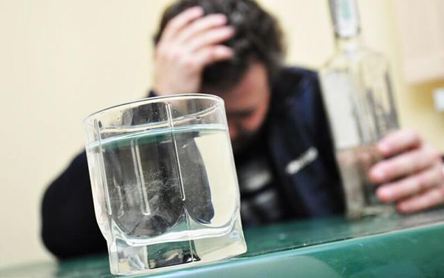 37 yaşlı kişi spirtli içkidən zəhərləndi