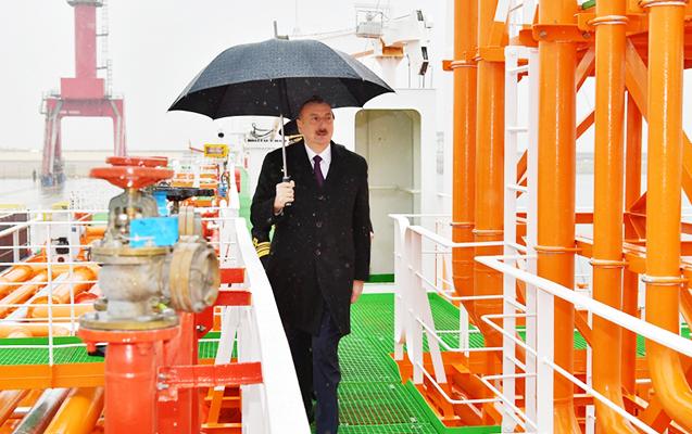 Prezident tankerin istismara verilməsi mərasimində