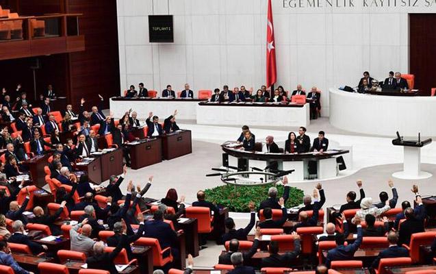 """TBMM Senatın """"erməni soyqırımı"""" qərarını rədd etdi"""