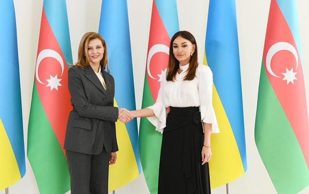 Mehriban Əliyeva Yelena Zelenskaya ilə görüşdü - Fotolar + Yenilənib