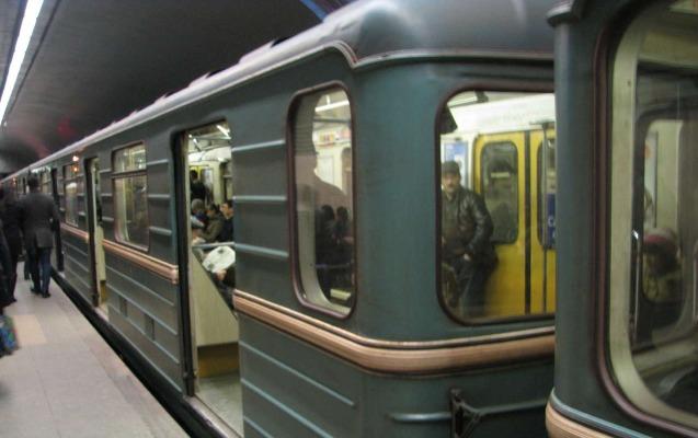 Metroda qatarların hərəkəti bərpa olundu
