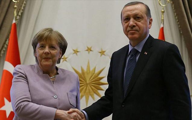 Merkel Ərdoğanın dəvəti ilə İstanbuldadır