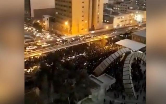 İranda hökumətə qarşı etiraz aksiyası