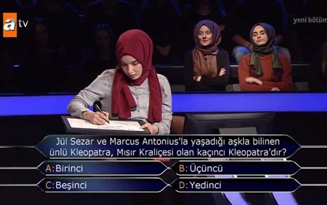 Türkiyə bu qızdan danışır