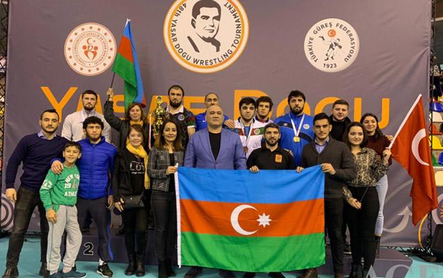 Güləşçilərimiz Türkiyədə 11 medal qazandı