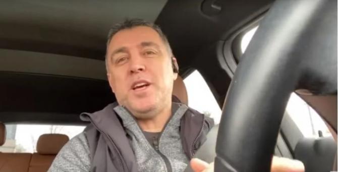 Hakan Şükür ABŞ-da taksi sürür - Video