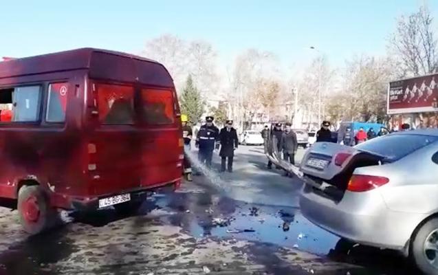 Mikroavtobus aşdı, 3 qadın yaralandı