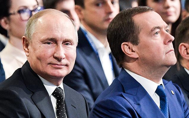 Medvedev bu vəzifəsində də qaldı