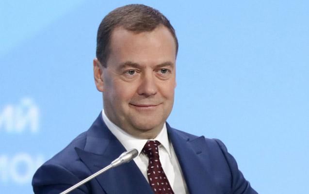Medvedev hökumət üzvlərinə təşəkkür etdi