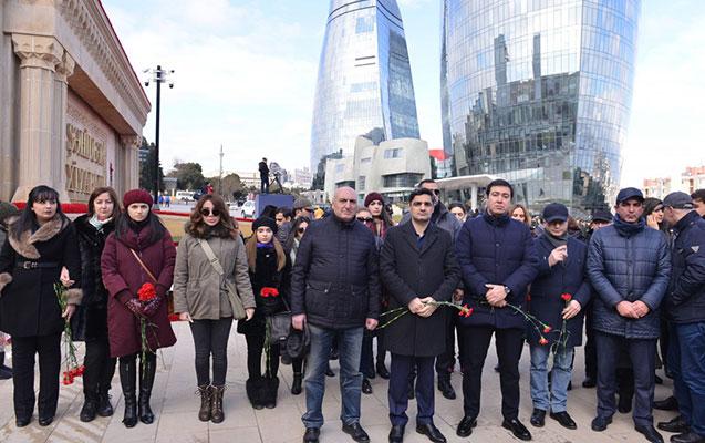 Nazirliyin kollektivi Şəhidlər xiyabanını ziyarət etdi