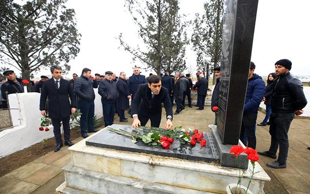 Anar Məmmədov Şəhidlər Xiyabanını ziyarət etdi - Fotolar