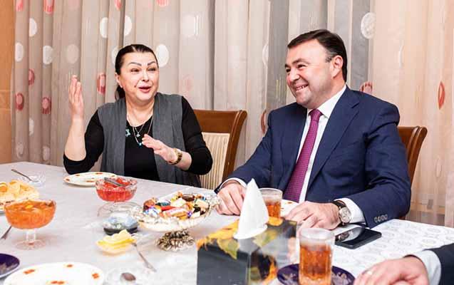 """""""Deyir, ilk dəfədir evimə namizəd qonaq gəlib"""""""