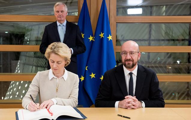 """Brüsseldə """"Brexit""""lə bağlı müqavilə imzalandı"""