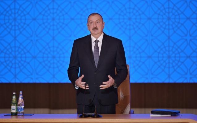 """""""Bu pullar kiminsə cibinə gedirdi..."""" - İlham Əliyev"""