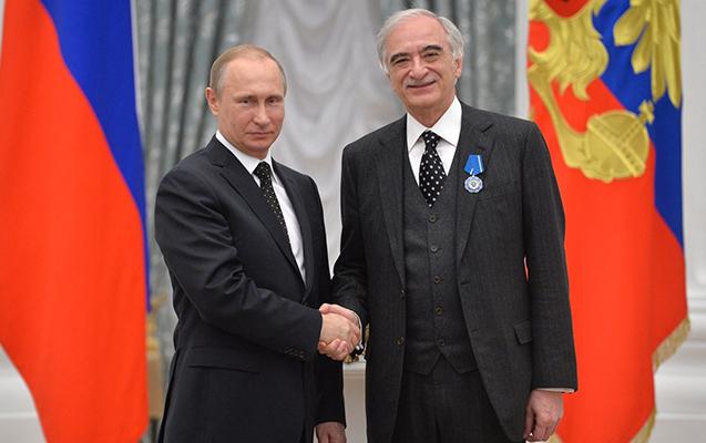 Putin Polad Bülbüloğlunu təbrik etdi