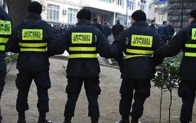 Gürcüstan müxalifəti 6 nəfərin ölümünə görə aksiyaları dayandırdı