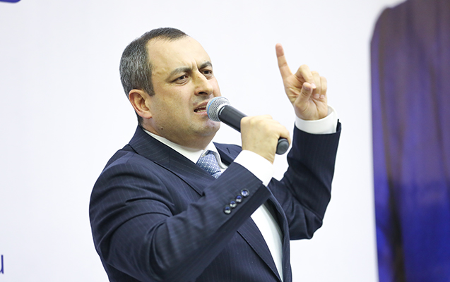 """""""Evdən bayıra çıxmayaq, restoranlara getməyək"""" - Vitse-spiker"""