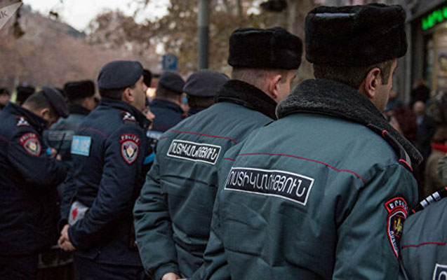 Ermənistanda polisə telefon danışıqlarını dinləməyə icazə verildi
