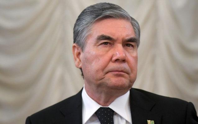 Türkmənistanda bu şəxslərə saçlarını boyamaq qadağan edildi