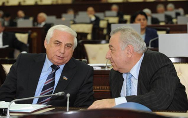 """Partadan parlamentə gedən dostluq... - """"Bir başladılar, bir getdilər"""""""