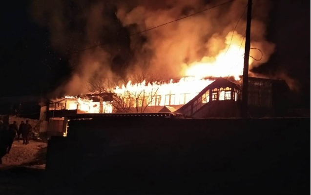 Qubada bələdiyyə sədrinin evi yanıb