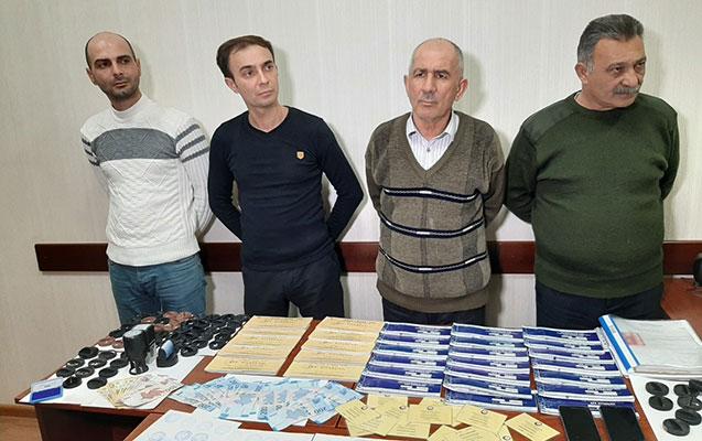 Saxta sənədlərlə əməliyyat aparan dəstə saxlanıldı