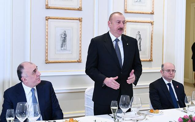 """""""Azərbaycanın iqtisadi göstəriciləri müsbətdir"""" - İlham Əliyev"""