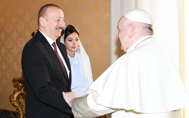 İlham Əliyev Vatikanda Papa Fransisklə görüşdü