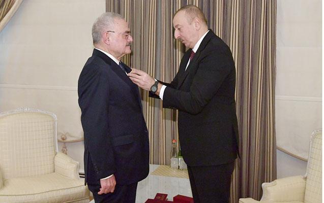 """İlham Əliyev Artur Rasizadəyə """"Vətənə xidmətə görə"""" ordenini təqdim etdi"""