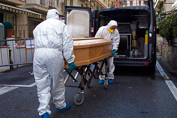 İtaliyada koronavirusdan daha 812 nəfər öldü