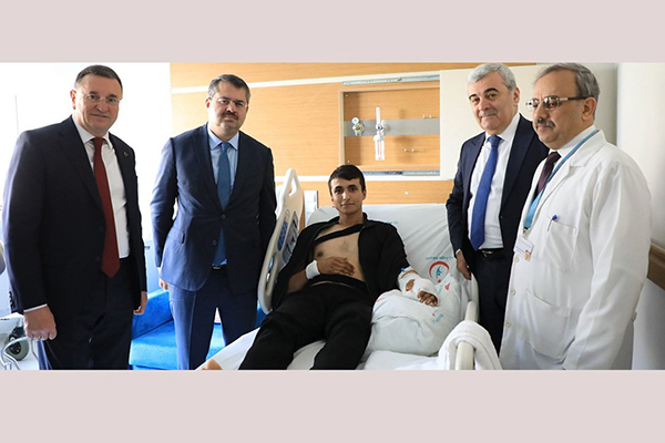 Azərbaycan nümayəndə heyəti İdlibdə yaralanan əsgərləri ziyarət etdi