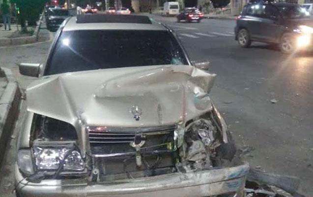 İki maşın toqquşdu, sürücü öldü