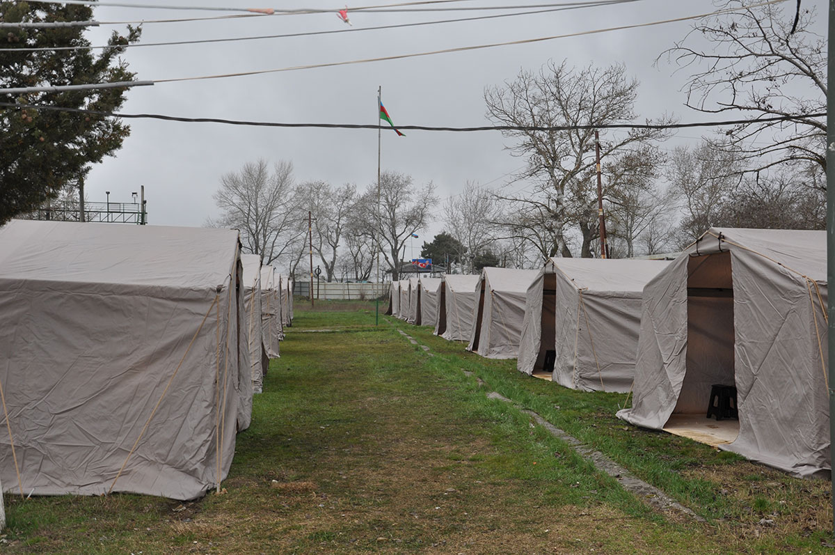 Rusiya ilə sərhəddə karantin çadırları quruldu + Video
