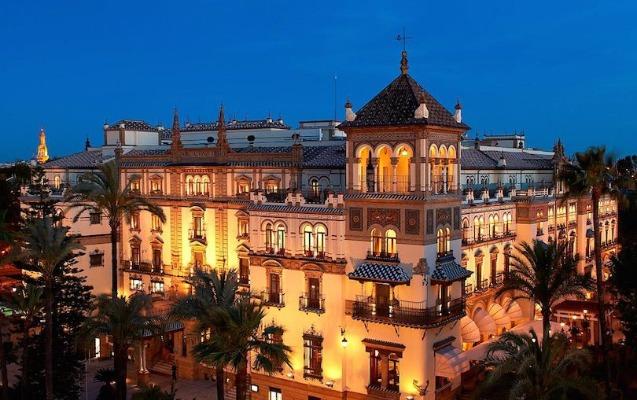 İspaniyada bütün hotellər bağlanır