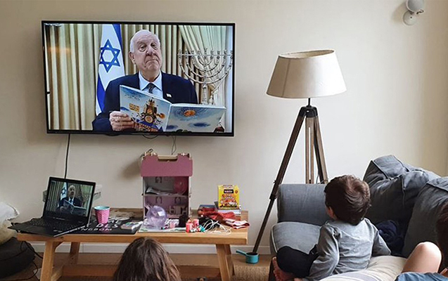 İsrail prezidenti virusa görə evdə qalan uşaqlara nağıl oxudu - Video