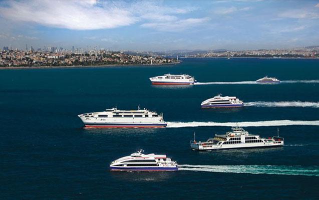 İstanbulda gəmi səfərləri dayandırıldı