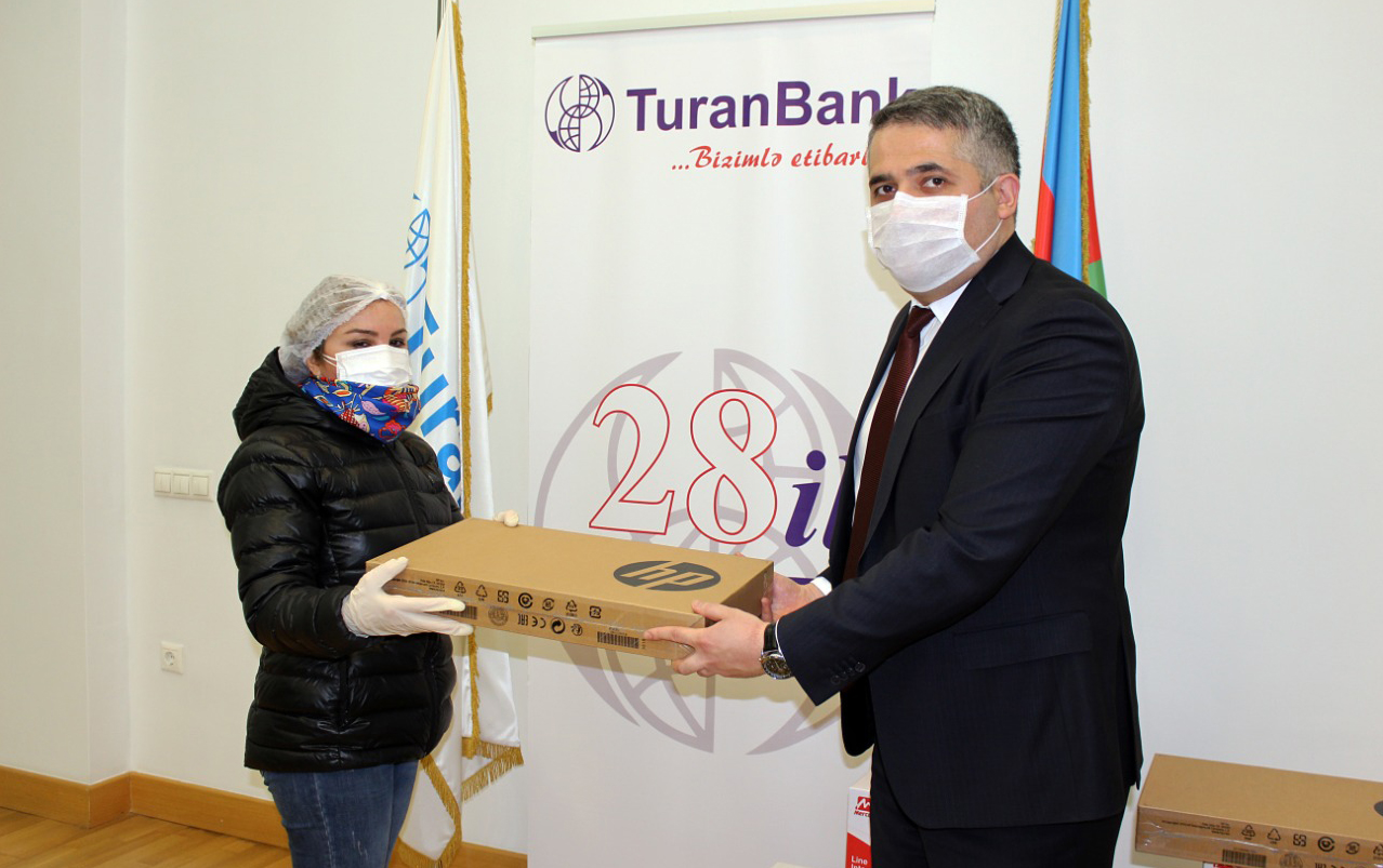 TuranBank da özünüməşğulluq proqramına dəstək oldu