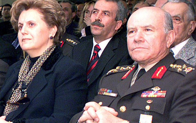 Türkiyəli generalın xanımı da koronavirusdan öldü