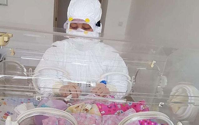 Qazaxıstanda koronaviruslu qadın körpə dünyaya gətirdi