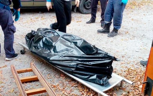 Köhnə çörək zavodunun həyətində yanmış kişi meyiti tapıldı