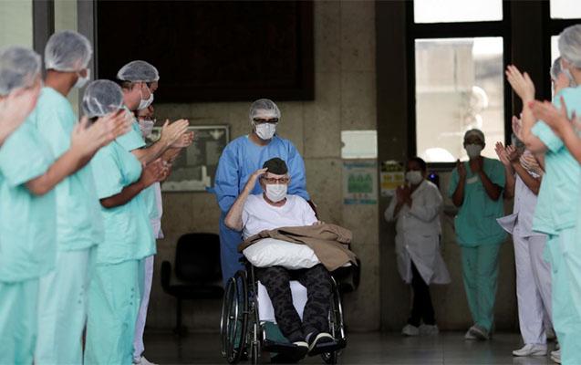 99 yaşlı veteran koronavirusdan sağaldı