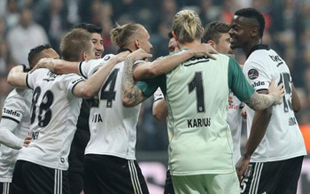 """""""Beşiktaş""""da 8 nəfər koronavirusa yoluxdu"""