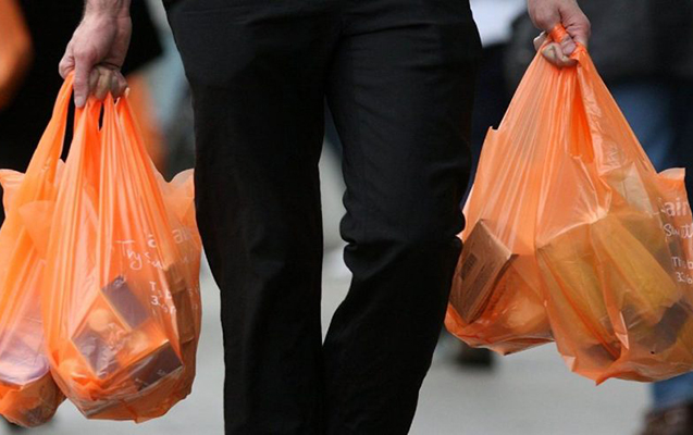 Azərbaycanda polietilen torbaların satışı qadağan edilir