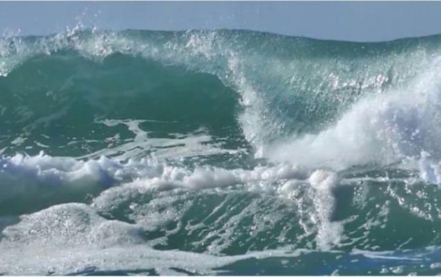 Neft Daşlarında dalğa 5 metrə çatıb - Faktiki hava