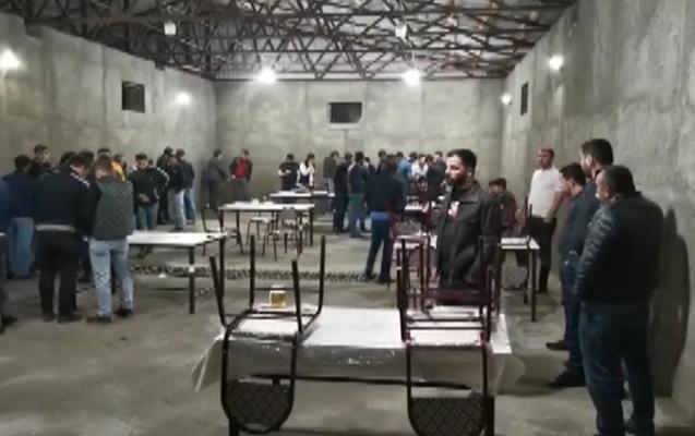Bakıda gecə fəaliyyət göstərən restoran aşkarlandı, 32 nəfər saxlanıldı