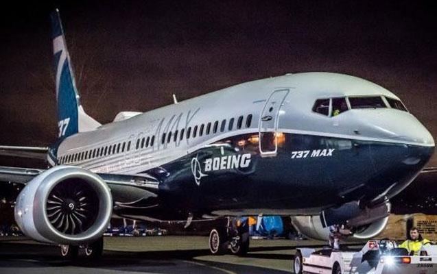 """""""Boeing"""" 6 mindən çox əməkdaşını işdən çıxarır"""